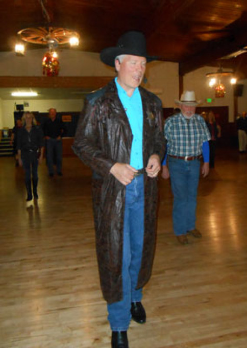 Dave Serfling teaching some line dances